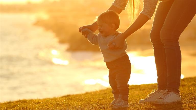 Protéger la mère et son enfant : la mission du Département