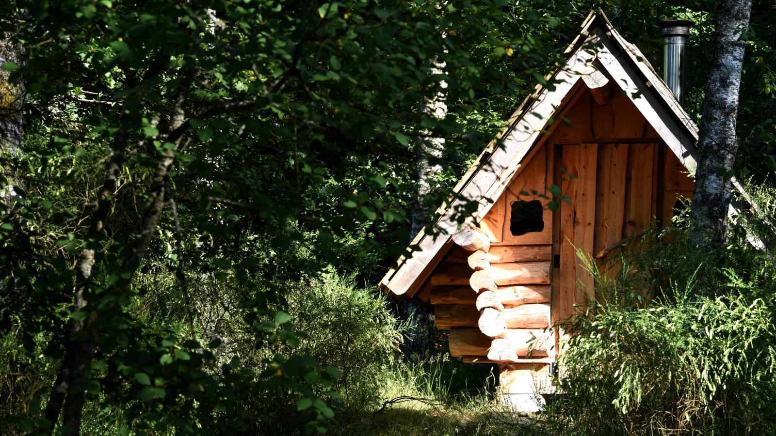 Il dispose d'un sauna construit en filière courte : le bois vient des Vosges, tout comme la main d'œuvre.