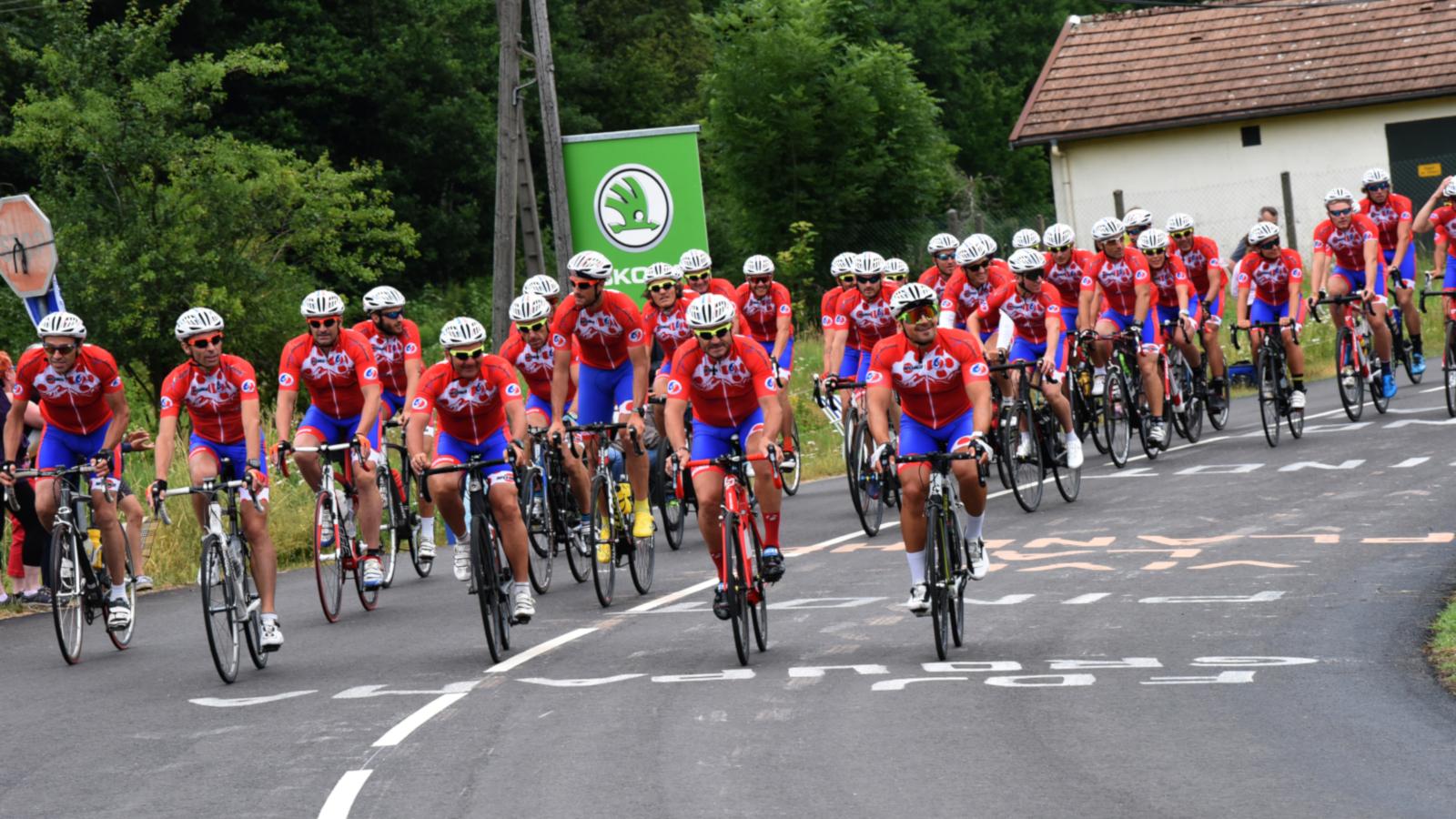 Les cyclistes de France Montagne à Le Thillot